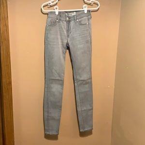 EUC Abercrombie&Fitch light gray super skinny jean